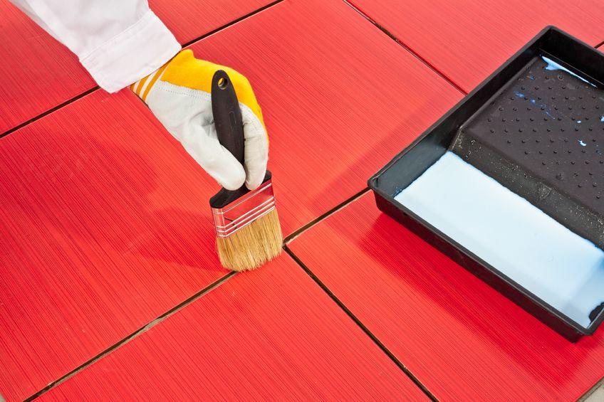 Peinture carrelage tous les conseils pour peindre du for Peinture de sol sur carrelage