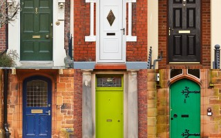 Peinture portes d'entrées.