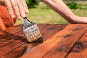 peinture d'une table bois
