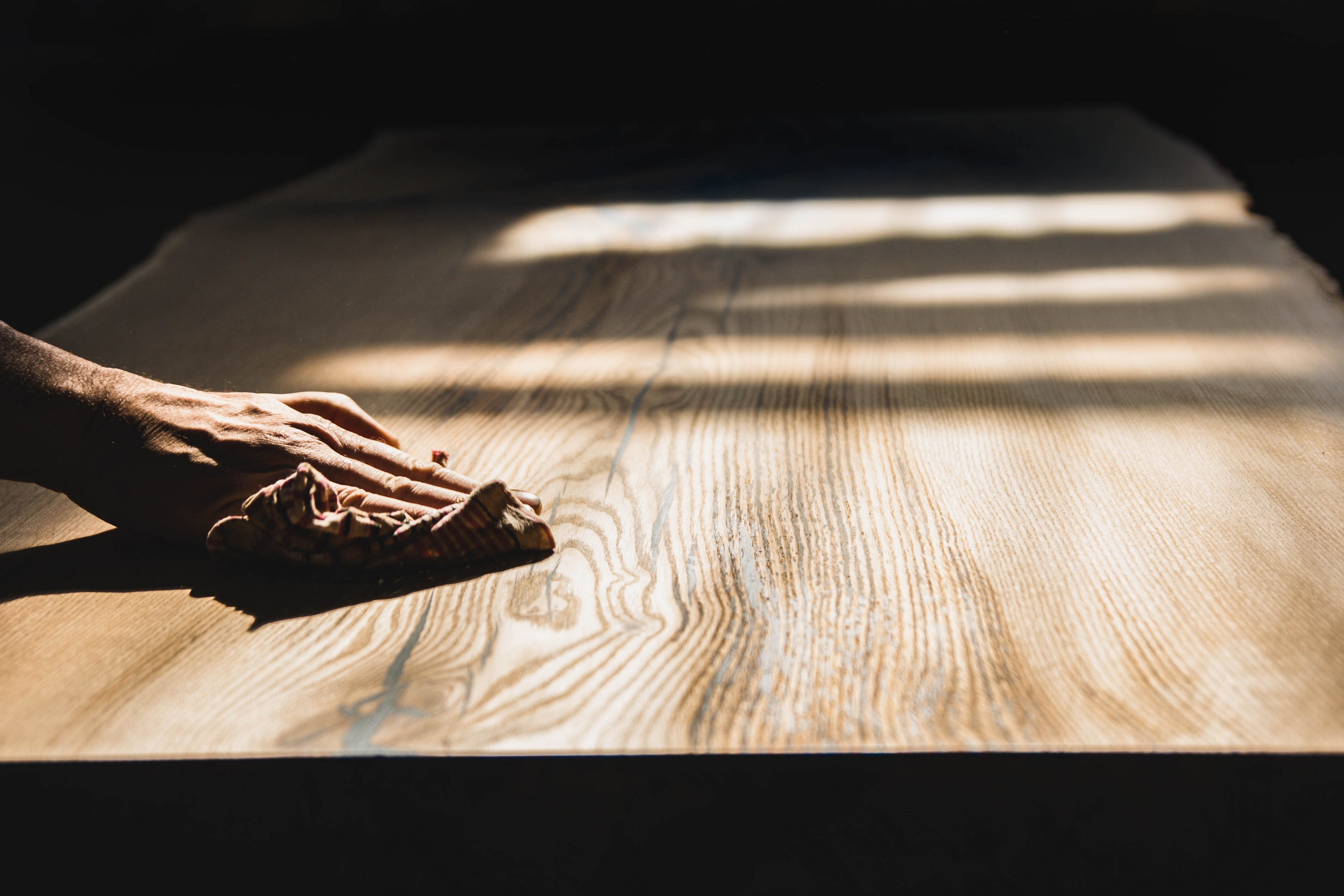 Matériel Pour Patiner Un Meuble céruser un meuble : prix et conseils